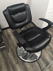 Selling good condition hydraulic salon chairs