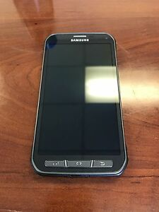 Samsung Galaxy S5 Active UNLOCKED smartphone like new