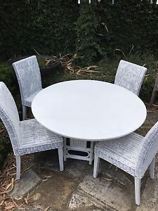 Gorgeous white wicker rattan outdoor patio 5 piece setting North Willoughby Willoughby Area Preview