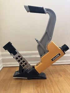 Bostitch Flooring Nailer BTFP 12569 w staples & cleats