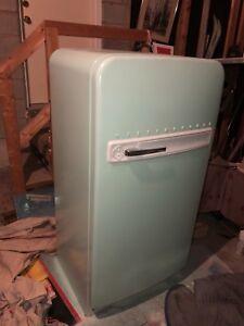 Restored mint vintage Westinghouse fridge