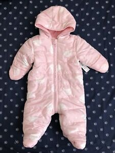 Brand New Old Navy Bunting Suit 3-6 months-Baby Girl