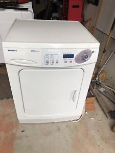 Samsung DV4015J clothes dryer in very good condition.