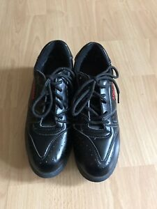 Ladies curling shoes size 7