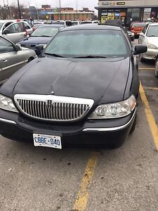 Lincoln Town Signature Limited Car 2009