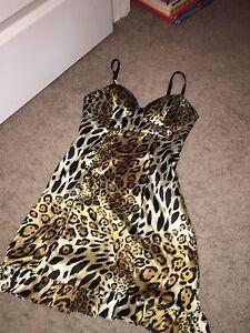 Guess leopard dress size xs