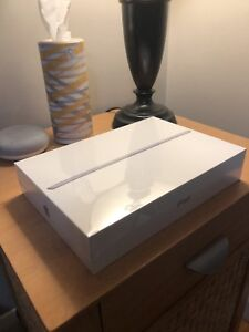 iPad 32gb 9.7 inch 2018 space gray ***BRAND NEW***