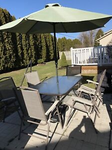 Patio Table in Great Condition