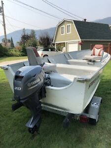 Alaskan Smokercraft Boat