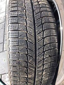 A VENDRE :   4 pneus d'hiver  MICHELIN X-ICE 245/45/R19.