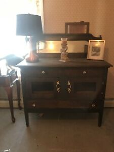 Beautiful Wooden Antique Cabinet/Sideboard Complete !?
