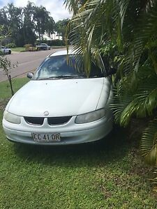 Holden commodore v6 white auto Leanyer Darwin City Preview