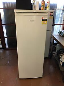 Lemair 239 L refrigerator 6 MONTHS OLD! Bexley Rockdale Area Preview