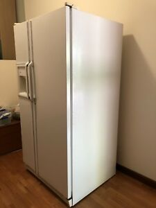 General Electric double door white Fridge/Freezer