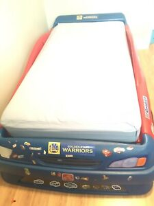 Step two toddler to twin race car bed