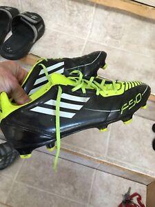 Adidas soccer shoes sz9