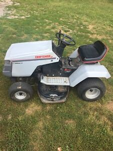 "Craftsman lawn tractor 12.5hp 38""cutting deck"