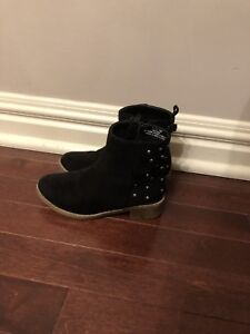 Girls ankle boots - size 11
