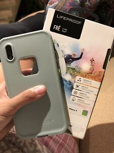 Lifeproof case for iphone x/xs