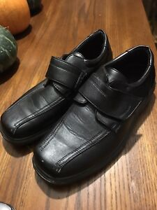 Youth size 7 dress shoes