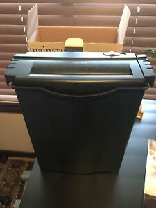 Office and home shredder with customer waste basket