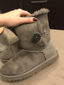 UGG- bottes femmes taille 37 ou taille 6