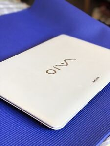 Sony VAIO SVF15327SCW  15.6inch【recently upgraded RAM and SSD】