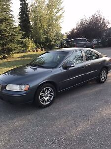 2007 S60 turbo Volvo - low km , leather seats with sunroof