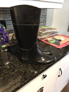 Ladies London Fog Rubber Boot -size 10