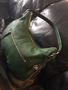 Vince Camuto green purse