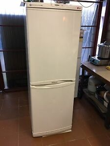 LG 305 L frost free fridge freezer Bexley Rockdale Area Preview
