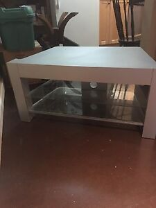 Tv stand heavy and sturdy