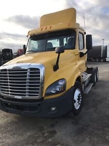 Cascadia day cab 2012 only 478000km for sale