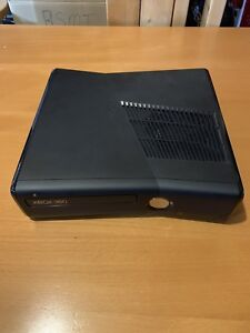XBOX 360 with 17 games!