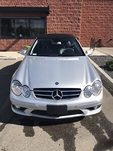 Beautiful 2006 Mercedes Benz CLK 500 v8 with AMG Package