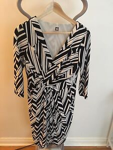 Anne Klein sleeves black and white dress