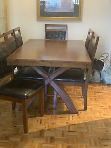 Beautiful Table & Chair *price drop*