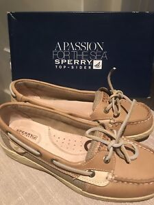 Sperry Shoes NEW - Girls size 7