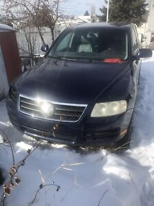 2004 VW Touareg for parts only
