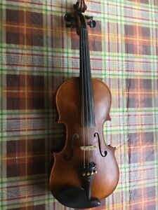 Old violin /fiddle with case, violin bow, shoulder rest