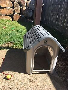 Medium side dog house for sale North Lakes Pine Rivers Area Preview