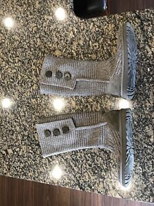 UGG Cardy Knit Boot Size 7