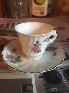 Jolie tasse de porcelaine