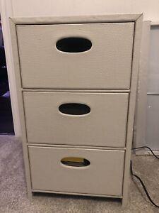 Storage drawers / night table