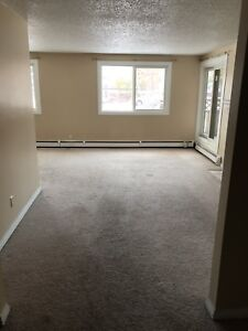 2 BEDROOM 1.5 BATH CONDO FOR RENT IN THE HEART OF RIVERBEND