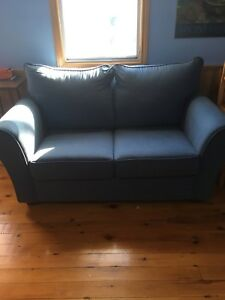 Love seat/Single Pullout