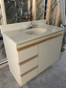 Vanity in great condition