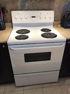 3-Piece Kitchen Appliance Package - Stove, Fridge, Dishwasher