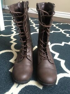 Women's Boots (Size 6.5)