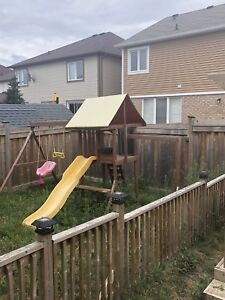 Kids playhouse (You Need To Pickup and Remove)
